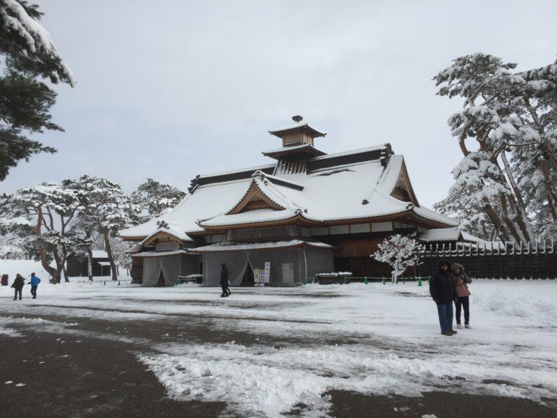 雪の中の箱館奉行所