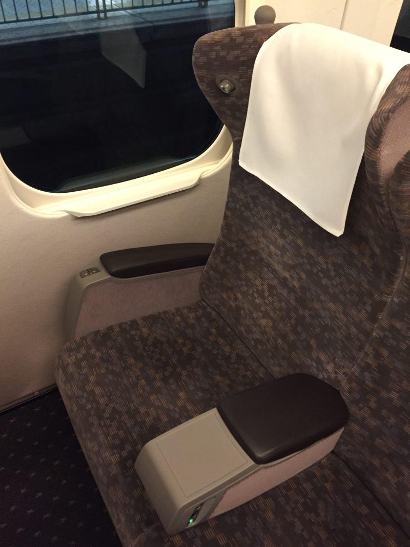 東海道新幹線のN700系グリーン席
